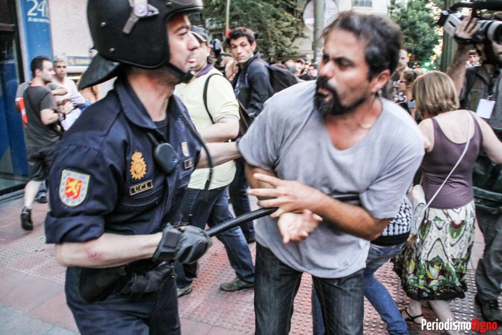 agrasion britalidad policia ciudadano