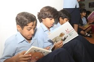 Niños en el Festival del Libro de Charjah