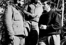 Fidel y Raúl Castro entrevistados por Enrique Meneses en Sierra Maestra