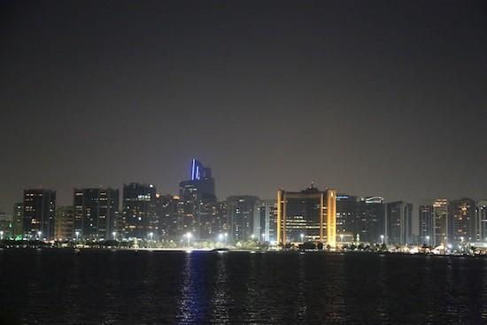 JB4-Abu-Dhabi-noche