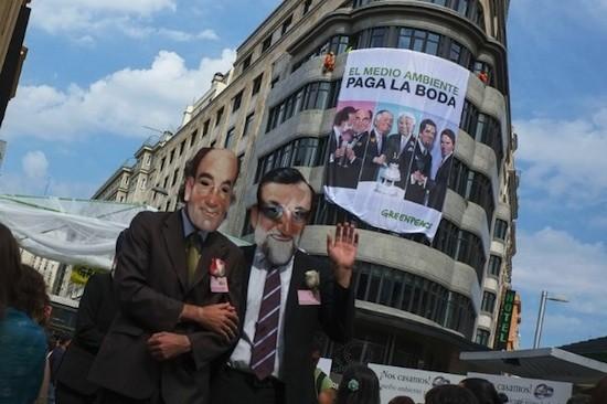 Greenpeace ha desarrollado varias campañas de denuncia de la connivencia entre los gobiernos de España y las grandes compañías eléctricas.