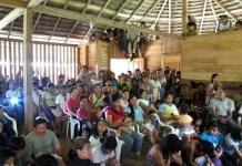 Reunión de indígenas Sarayaku en Ecuador. AI-GascóE