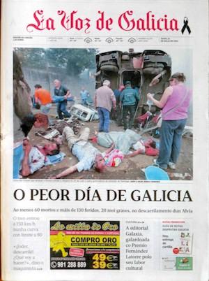 Trágico accidente de tren en Santiago de Compostela. Portada de 'La Voz de Galicia', 15 de julio de 2013.