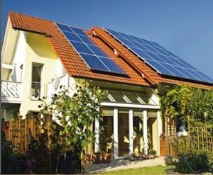 Europa estudia ilegalizar el impuesto al sol vigente en España