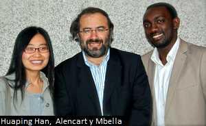 Huaping Han, Alencart y Mbella, en la presentación del libro 'Al salir de la cárcel' de Fray Luis de León en la Uiversidad de Salamanca (Usal). en la David Arranz-ICAL