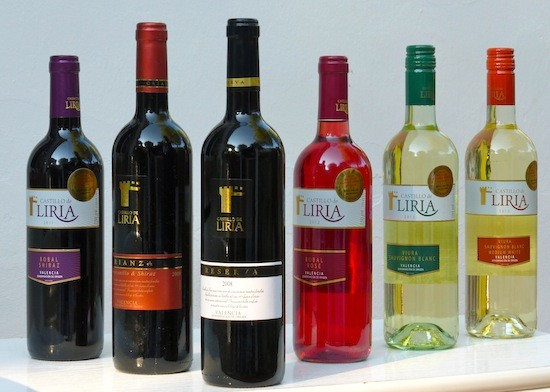 Castillo de Liria. Línea completa de vinos: reserva, crianza y tinto, rosado y blancos jóvenes. (C) Manuel López