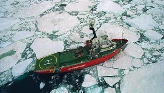 Greenpeace-Arctic-Sunrise-Artico