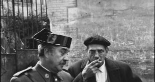 Luis Buñuel en el set de rodaje de Tristana en Toledo 1969 (c) Mary Ellen Mark
