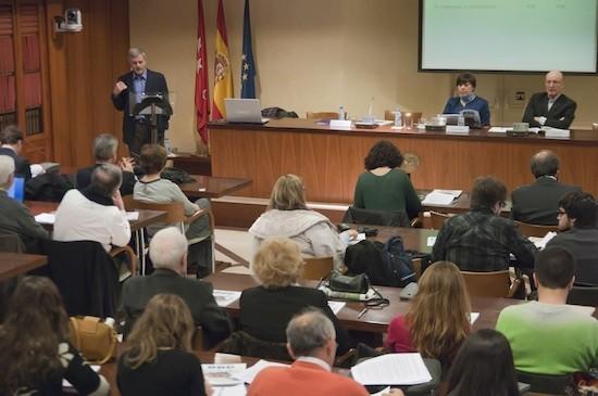 Luis Palacio (atril), Carmen del Riego y David Corral (mesa). Foto: Elena Hidalgo/APM.