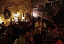 """Noche de sábado en el bar privado """" El Madrigal"""", ubicada en el Centro de la barriada del Vedado, en La Habana , Cuba.28 de diciembre de 2013,23:45 p.m. Foto: Jorge Luis Baños_IPS"""