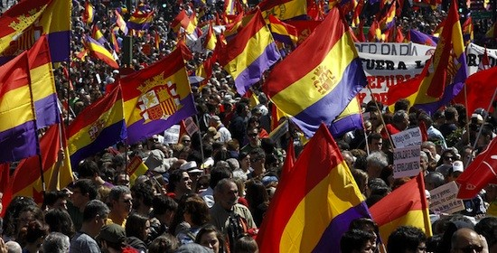 Banderas republicanas en las movilizaciones sociales en Madrid