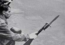 """Caio Garrubba. Procesión de Semana Santa en Madrid, años 60. De la exposición 'Weltausstellung der Photographie"""", 1964"""
