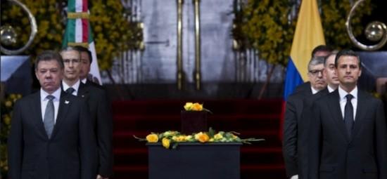 Gabo-homenaje_Santos-urna-Peña-Nieto