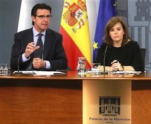 El ministro José Manuel Soria explica la nueva facturación eléctrica.