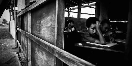 Enrique Rashide Serrato Frías: Escuela de cartón