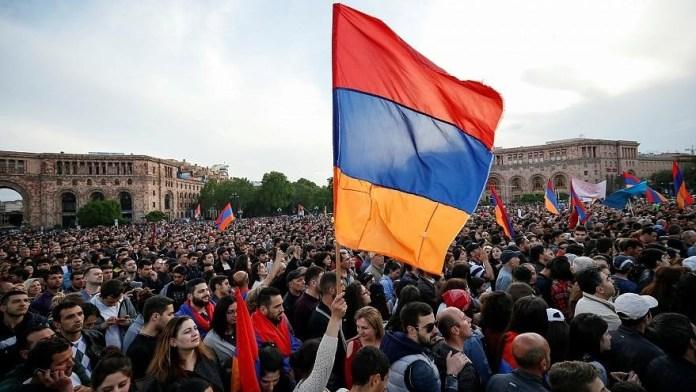Protestas de la revolución de terciopelo en abril de 2018 en Ereván