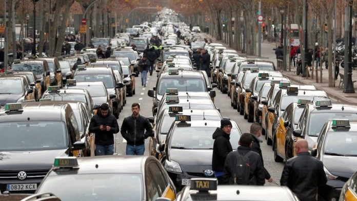 Taxistas en huelga en Barcelona el 21 de enero de 2019