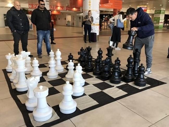 'Scacchi in volo' en el aeropuerto Falcone-Borselllino de Palermo