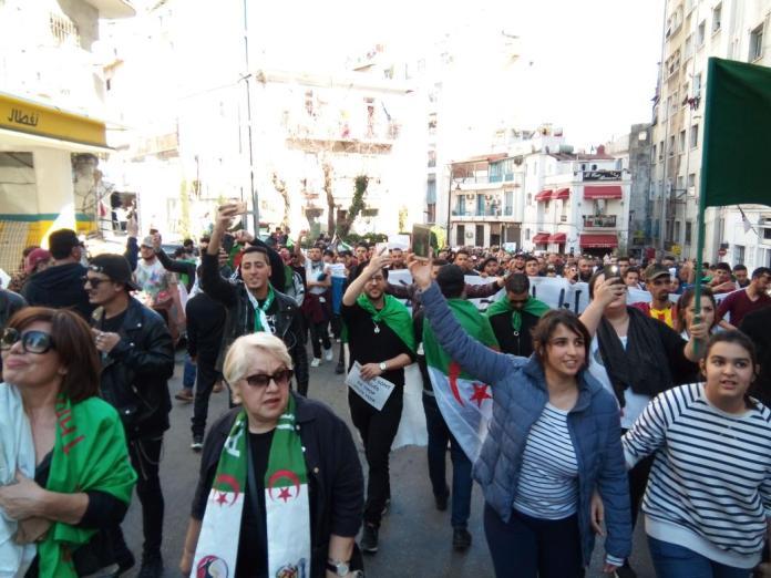 Protestas populares en Argelia, marzo de 2019