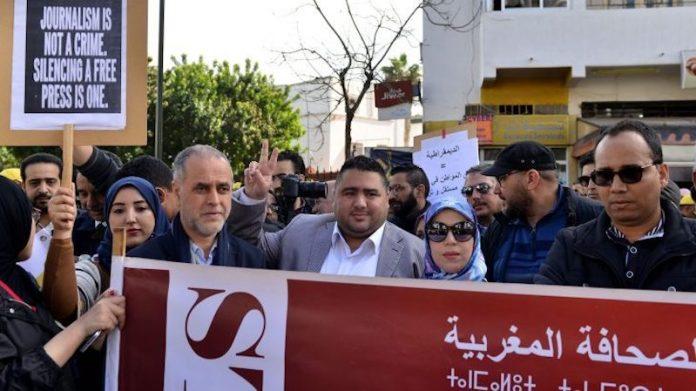 Periodistas marroquies protestan por las sentencias judiciales contra la prensa