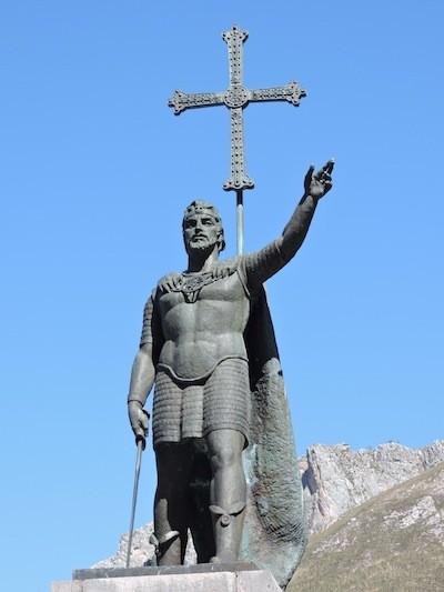 Adriana Bianco Estatua de Don Pelayo
