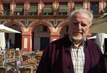 Julio Anguita en la Plaza de la Corredera de Córdoba. (Foto: Cadena SER)