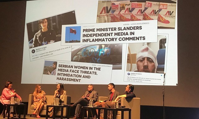 La violación a la libertad de prensa y al derecho a informar de los periodistas fue uno de los temas centrales analizados durante la Semana Internacional de la Sociedad Civil (ICSW 2019), la reunión anual del activismo mundial, que este año ha acogido Belgrado. Crédito: Cortesía de Civicus