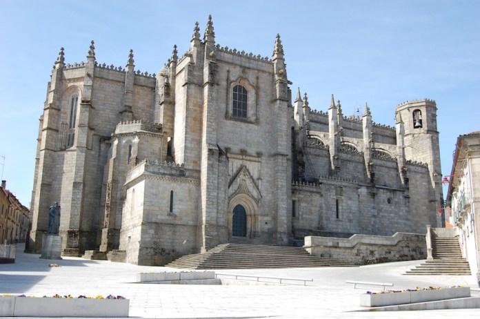 Catedral Guarda fachada norte