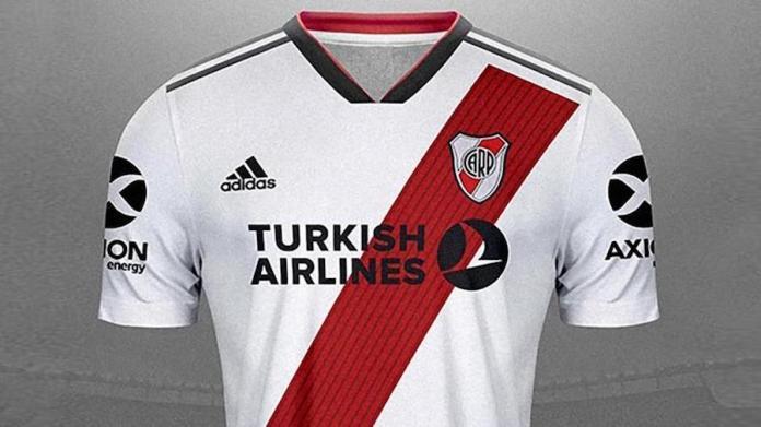 Camiseta del Rriver con el patrocinio de Turkish Airlines