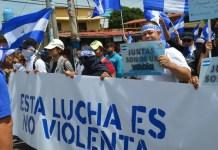 Articulo 66: Manifestantes en Managua participan en una marcha para pedir el fin de la violencia en Nicaragua