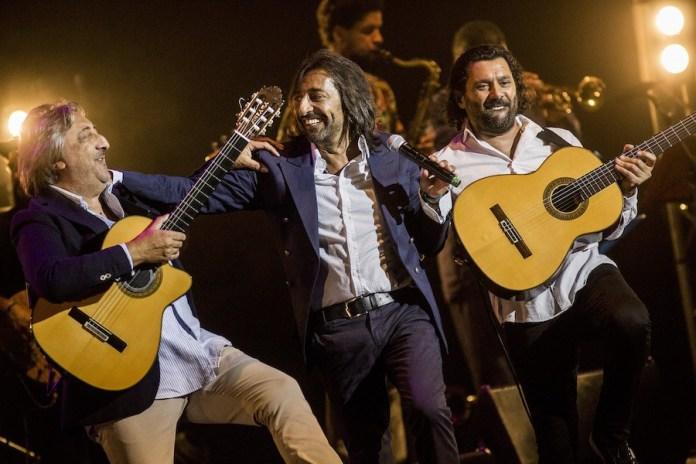 ©Javier Fergo: Josemi Carmona, Antonio Carmona y Juan Carmona el Camborio en el escenario de Flamenco On Fire 2019, Pamplona