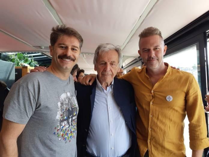 Alexandros Bourdomis (Tsipras) , Costa Gavras y Chistos Louilis (Varoufakis)