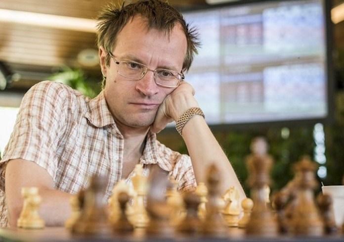 El ajedrecista holandés de origen ruso, Sergei Tiviakov.