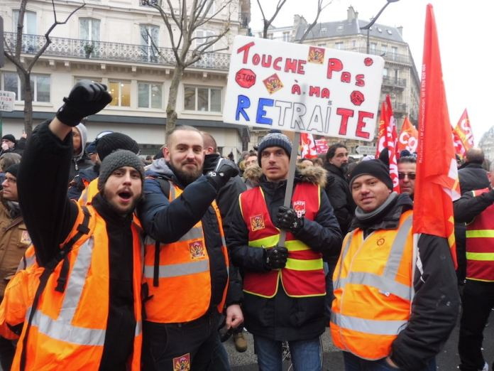 Paris 5DIC2019 Obreros metro en huelga