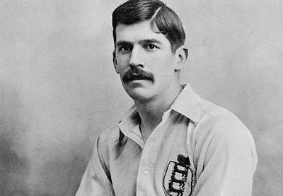 Charles Wreford-Brown con la camiseta de la selección inglesa