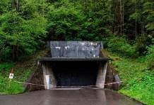 Entrada al depósito de Mitholz que contiene 3500 toneladas de municiones de la Segunda Guerra Mundial