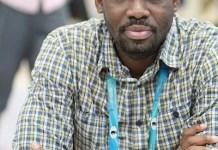 Oladapo Adu ante el tablero