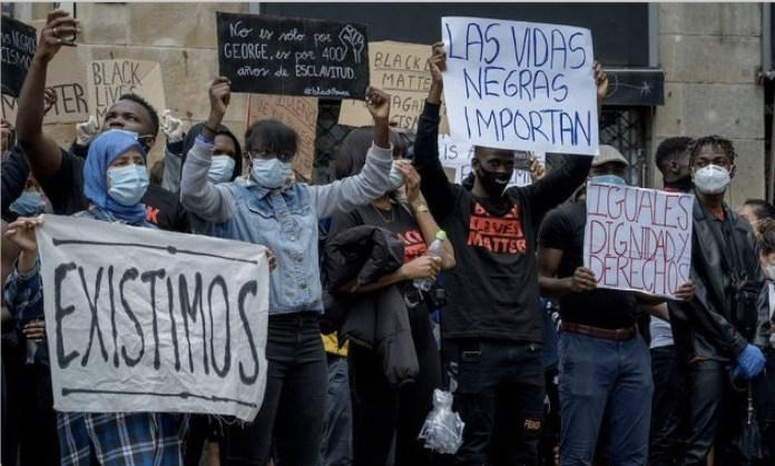 Protesta en Barcelona, el 7 de junio de 2020, contra el asesinato de George Floyd en Minneapolis a manos de la policía el 25 de mayo de 2020. Foto: Alicia Fabregas / Shutterstock