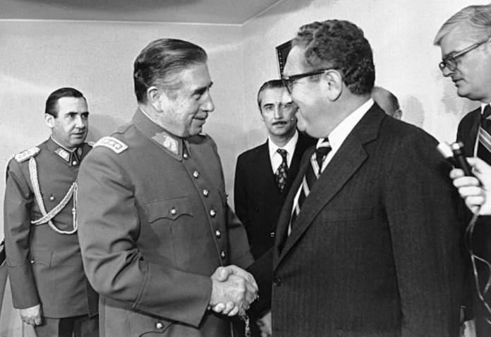 Pinochet y Kissinger en 1976
