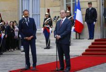 Edouard Philippe toma la palabra en la ceremonia de ceder la presidencia a Jean Castex