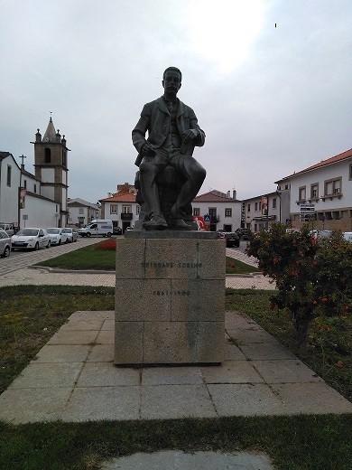 Monumento al escritor Trindade Coelho
