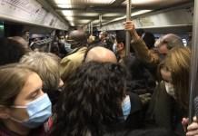 Metro de París hora punta