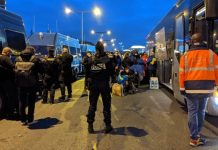 Desalojo de personas migrantes en la Prefectura de la Seine-Saint-Denis 17NOV2020