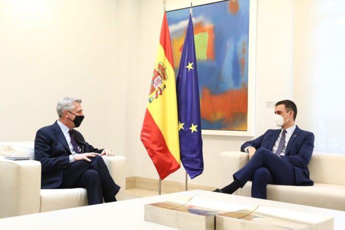 Filippo Grandi con Pedro Sánchez © Moncloa: Fernando Calvo