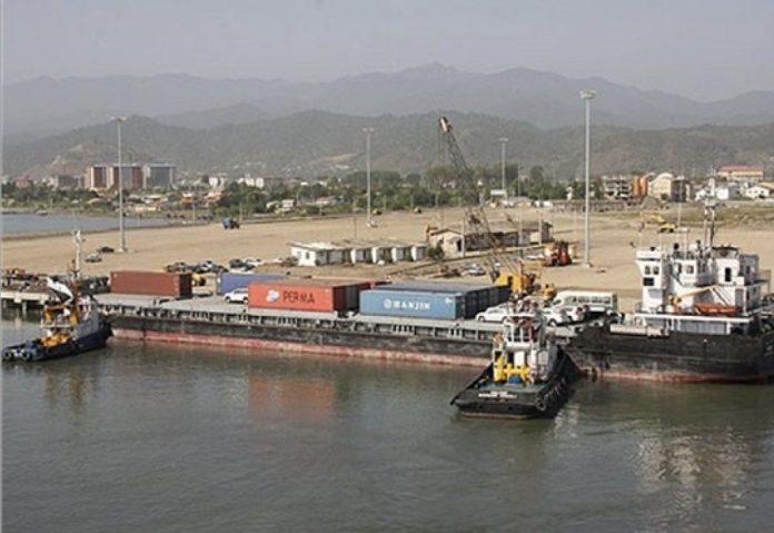 Puerto iraní de Astara en el mar Caspio