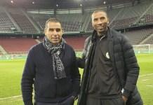 El presidente de la Federación de Argelia de Fútbol (FAF), Kheiriddine Zetchi, izquierda, junto al marroquí Abdeslam Ouaddou