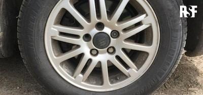 RSF: neumático sin tornillos de Morgan Large