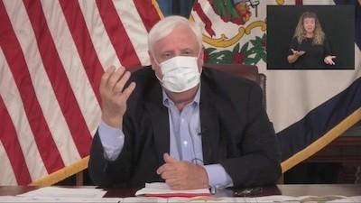 Jim Justice con mascarilla