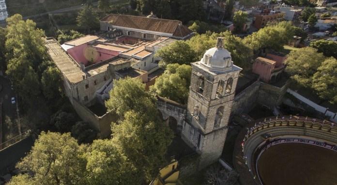 @ J. Guadalupe Perez: Conjunto franciscano del monasterio y la catedral de Nuestra Señora de la Asunción de Tlaxcala, México.