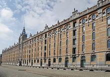 Impresionante edificio Tours et Taxis, en Molenbeek.